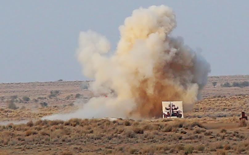 टैंकों के हमलों में दुश्मन के ठिकाने नेस्तनाबूद