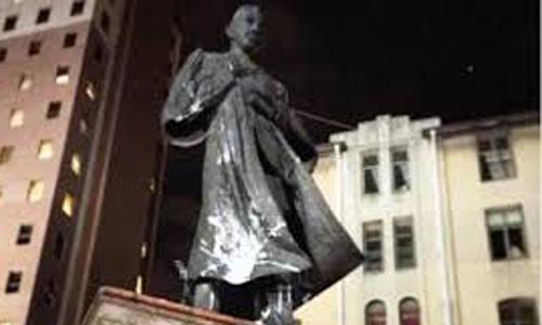दक्षिण अफ्रीका में गांधी का अपमान