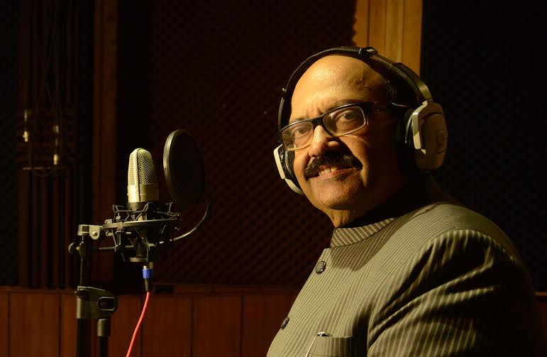 """Amar Singh dubs his dialogues for Bollywood film """"JD"""""""
