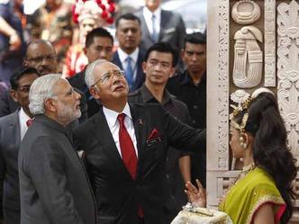लिटिल इंडिया में PM मोदी ने किया तोरण द्वार का उदघाटन