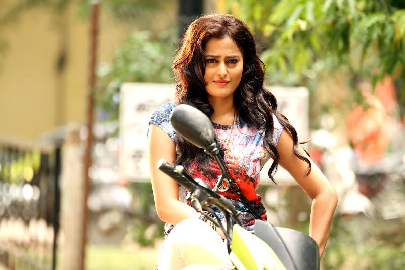 introduction in film Direct Ishq is on bike - Nidhi Subbaiah