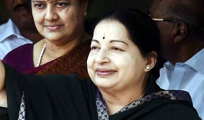 जयललिता का निधन, पनीरसेल्वम बने नए CM
