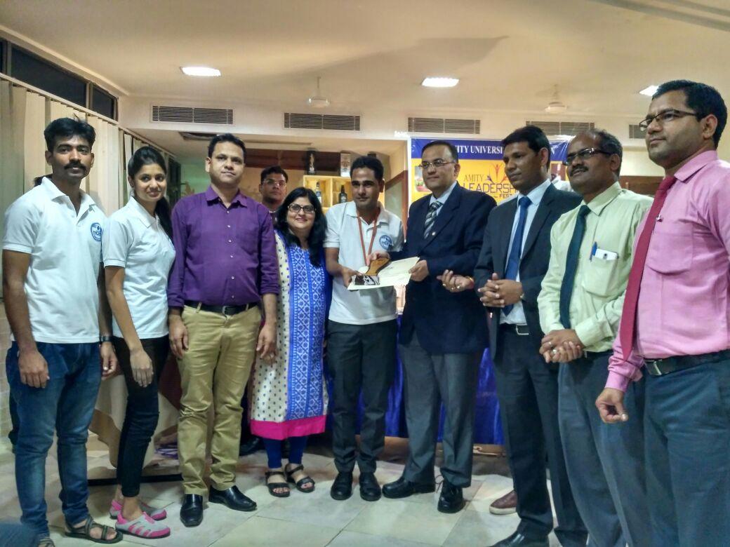 छात्र-छात्राऍ अमेटी विश्वविद्यालय में विजेता