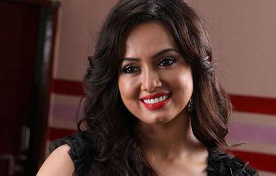 टेलेंट हंट से खुलेगा बॉलीवुड एंट्री का रास्ता : सना खान