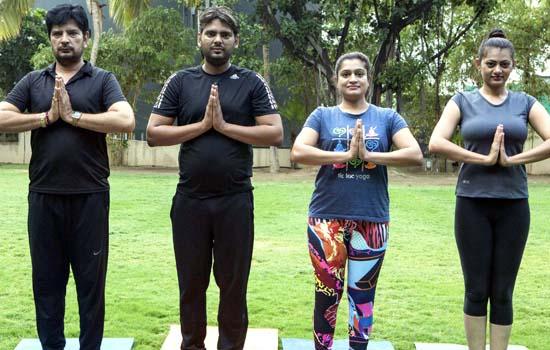 फिल्म शादी विथ जुगाड़ में योगा को प्रमोट करेंगे