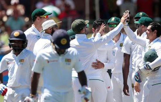 दक्षिण अफ्रीका को 400 रन की विशाल बढ़त