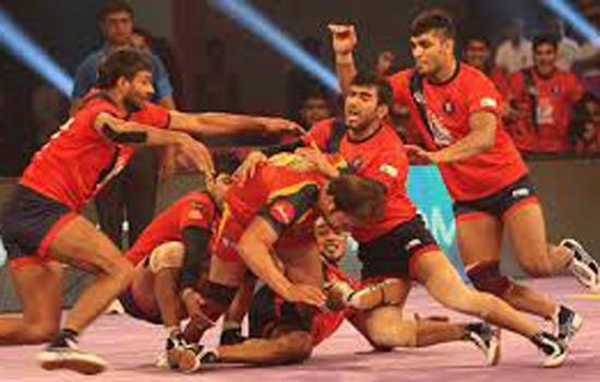 प्रो कबड्डी में यूपी और गुजरात जीते, दिल्ली हारी
