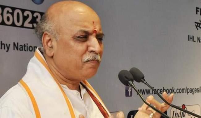 राहुल गांधी की मंदिर यात्राएं हिंदुओं की जीत है: तोगड़िया