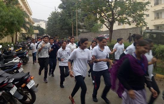'गीतांजली नर्सिंग में खेल सप्ताह का शुभारंभ'