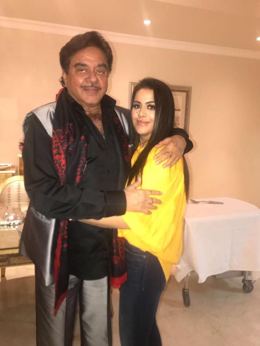 संजय दत्त की बेटी त्रिशाला से शत्रुघ्न की हुई मुलाकात