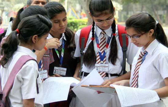 सीबीएसईं की 10वीं और 12वीं की परीक्षाएं पांच मार्च से