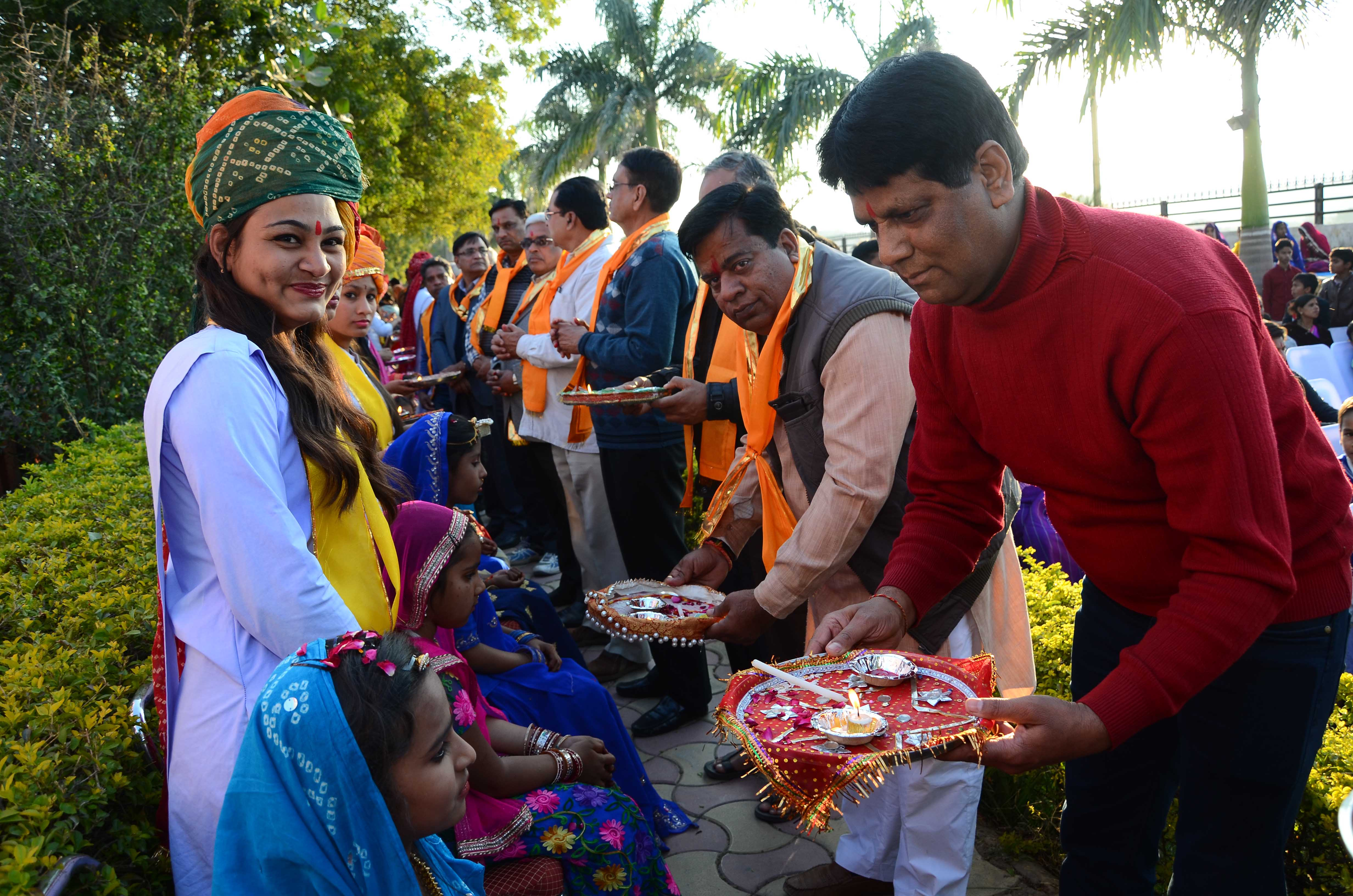 """राष्ट्रभारती एकेडमी द्वारा रविवार को आयोजित """" शारदे शत वंदन """" ( कन्या पूजन ) कार्यक्रम"""