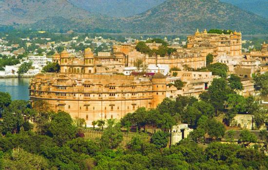 आशचर्य के अजूबे उदयपुर के राजमहल