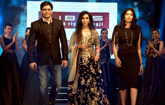 Kingfisher Ultra's Pre Derby Fashion show at Mahalaxmi Race course.