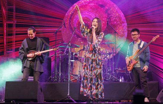 उदयपुराइट्स के सिर चढकर बोला भारतीय और विदेशी बैंड का जादू-