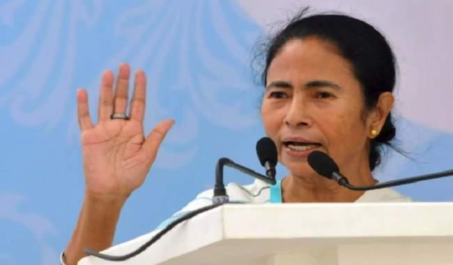 सांप्रदायिक राजनीति : एकजुट होंगे सभी राज्य: CM ममता