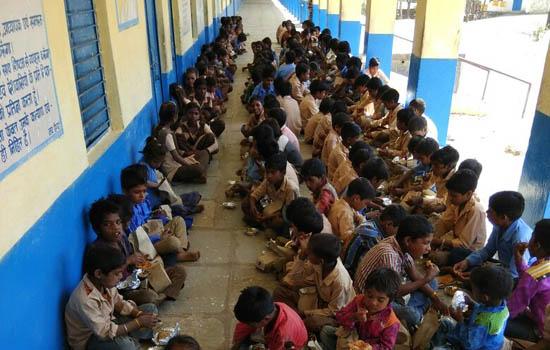 महावीर जयन्ति पर विभिन्न स्थानों पर महावीर भोज