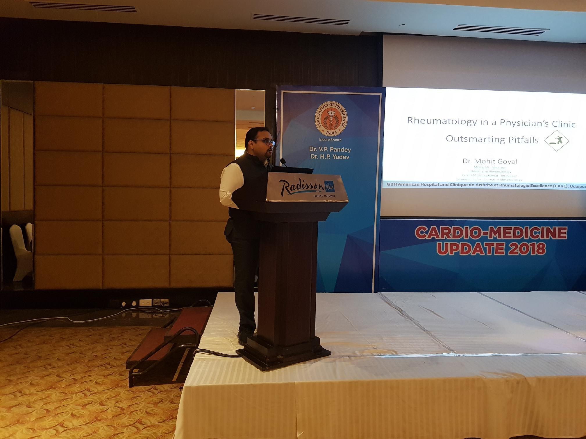 गठिया रोग पर डॉ. मोहित ने इंदौर में दिया व्याख्यान