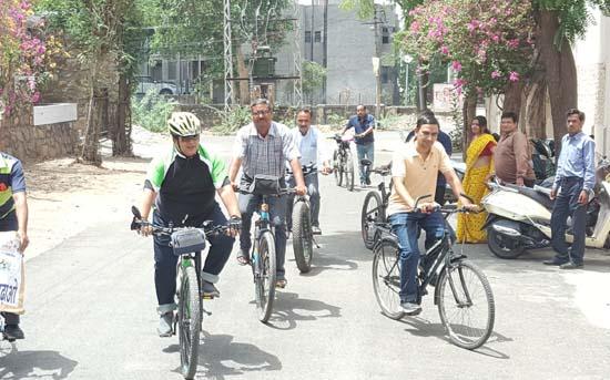 विष्व साईकिल दिवस की पूर्व संध्या पर साईकिल चलाने का लिया संकल्प