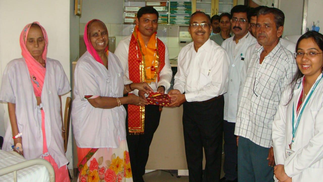 डॉ. महाजन राइजिंग स्टार अवार्ड से नवाज़े गये