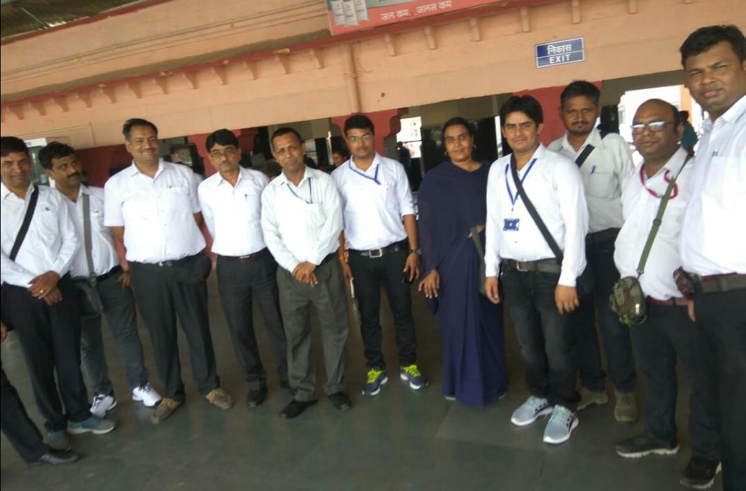 रेलवे यात्रीयो मे नियमित टिकिट जाँच  का  अभियान शुरू