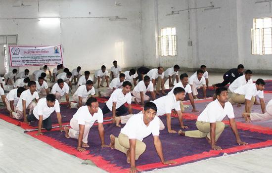 पुलिस जवानों का योगाभ्यास शिविर सम्पन्न