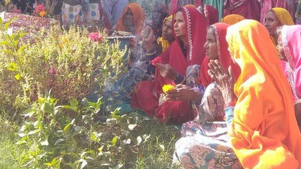 हजारों घर आंगन में लगेगा 24th को तुलसी का पौधा