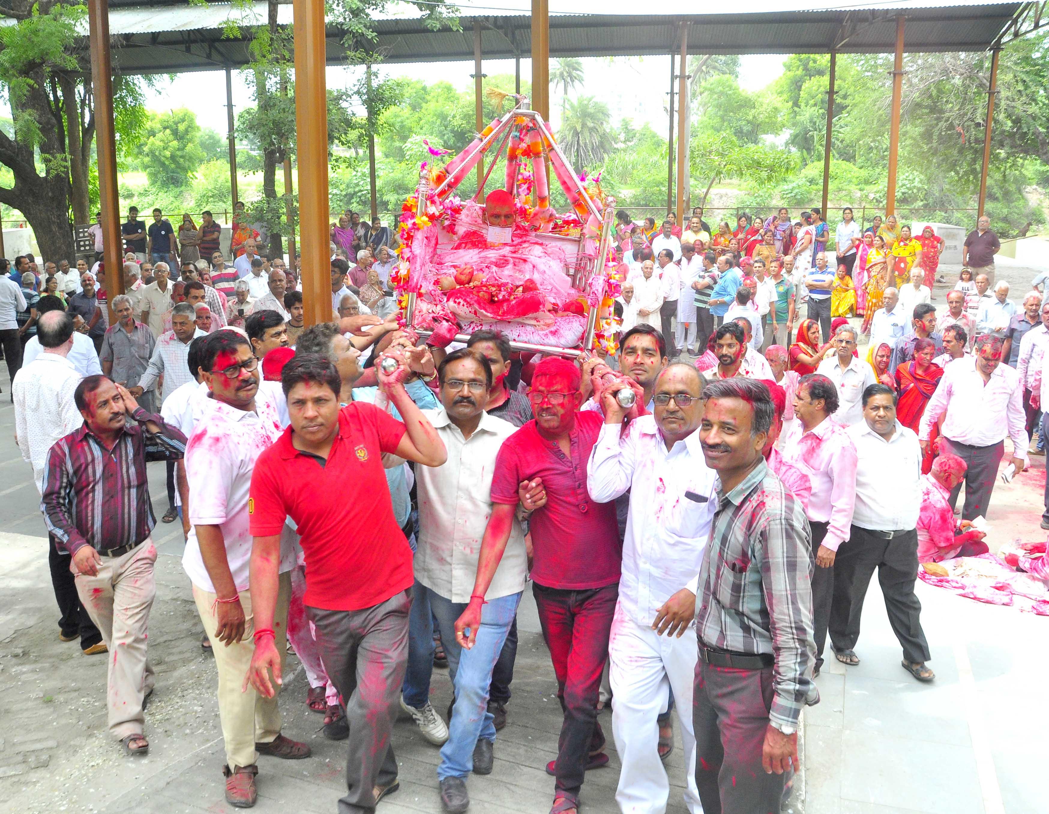भगवती मुनि की डोल यात्रा में उमडे श्रावक,देश के कोने कोने से आये