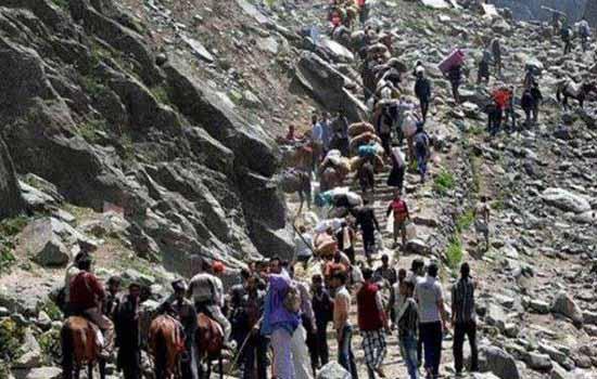 नेपाल में फंसे 180 भारतीय तीर्थयात्री