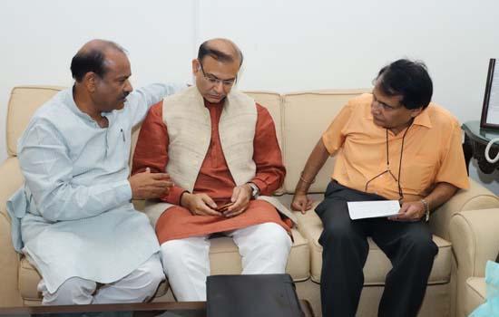 कोटा -बूंदी सांसद श्री ओम बिरला ने की  केन्द्रीय उड्डयन मंत्रियों  से मुलाकात