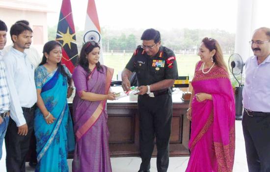 आर्मी कमांडर जनरल मैथसन ने किया माही संदेश के सेना विशेषांक का लोकार्पण