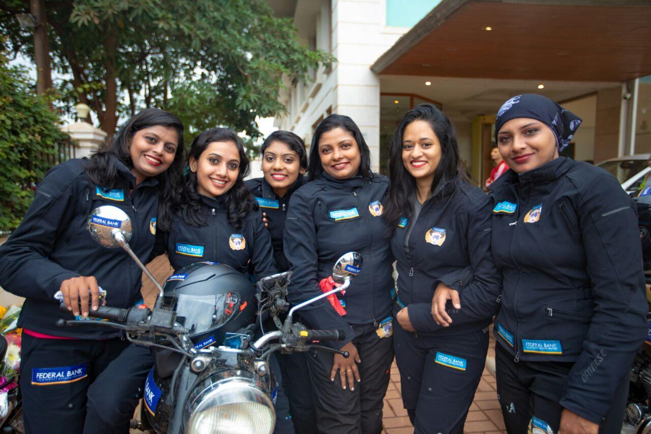 केरल से दिल्ली की यात्रा के दौरान 6 बुलेट रानियां पहुंची उदयपुर