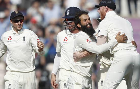 इंग्लैंड  पहुंचा चौथे स्थान पर