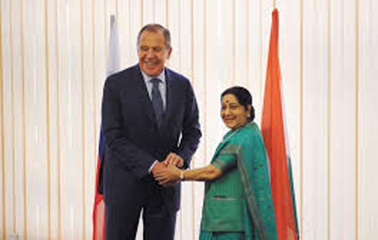 विदेश मंत्री सर्गेई लावरोव से सुषमा स्वराज ने की मुलाकात