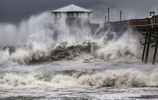 तूफान में तब्दील हुआ फ्लोरेंस