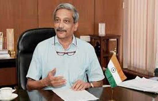 गोवा में मुख्यमंत्री मनोहर पर्रिकर के कैबिनेट से दो मंत्रियों को किया बाहर