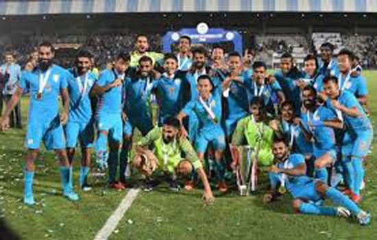 फुटबॉल के मैदान में भिड़ेंगे भारत और चीन