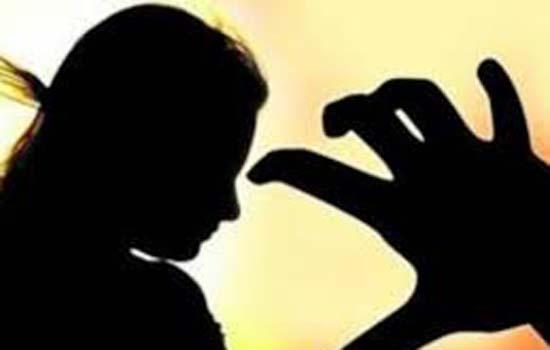 दो सगे भाइयों ने किया 15 वर्षीय बहन से दुष्कर्म