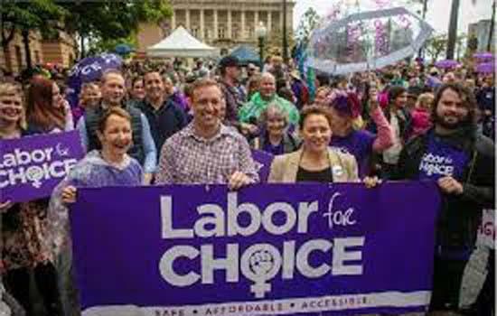 क्वींसलैंड में अब अपराध नहीं होगा गर्भपात