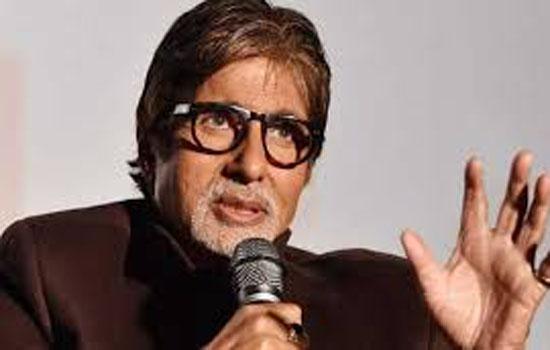 स्क्रिप्ट खुद लिखते हैं आमिर : अमिताभ