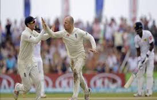 श्रीलंका पर इंग्लैंड की पहले टेस्ट में बड़ी जीत