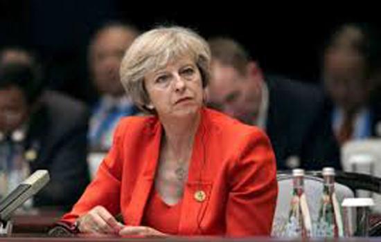 ''तख्तापलट' का खतरा ब्रिटेन में