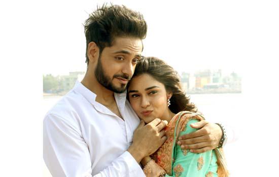 Adnan Khan and Eisha Singh had fun time while shooting outdoor in Mumbai for their serial Ishq Subhan Allah.