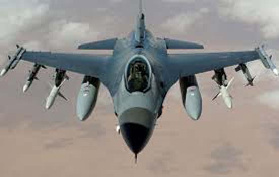 अमेरिका ने रूस के खिलाफ समर्थन दिखाने के लिए एक निगरानी विमान कीव भेजा