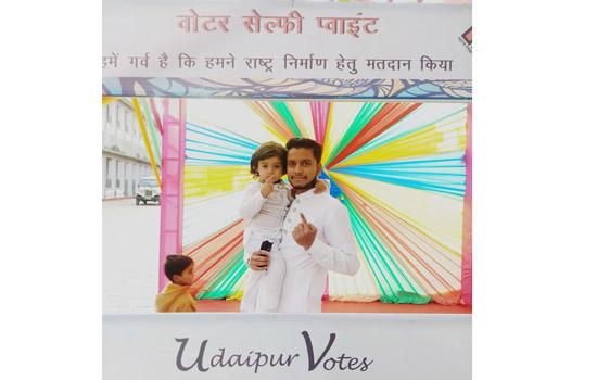 लग दी लाहौर फिल्म के बाल कलाकार ने मतदान के लिए किया जागरूक