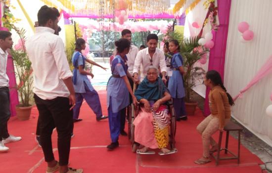 बांसवाड़ा में दिव्यांग और वरिष्ठजनों को रास आई स्काउट-गाईड की सेवा