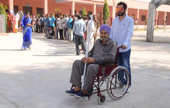 विधानसभा आम चुनाव में जिले में अनुमानित 71.52 प्रतिशत मतदाताओं ने किया मतदान