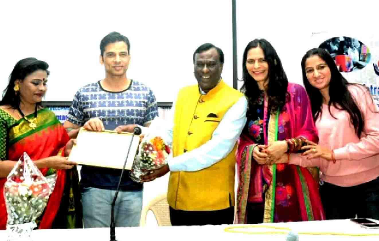 फिल्म अभिनेता सुदीप पांडे सामाजिक संस्था 'यात्रा एक राह' द्वारा  सम्मानित