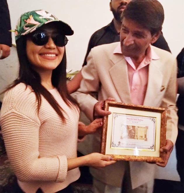 Bhanawat gifted Neha Kakkar her birthdate note