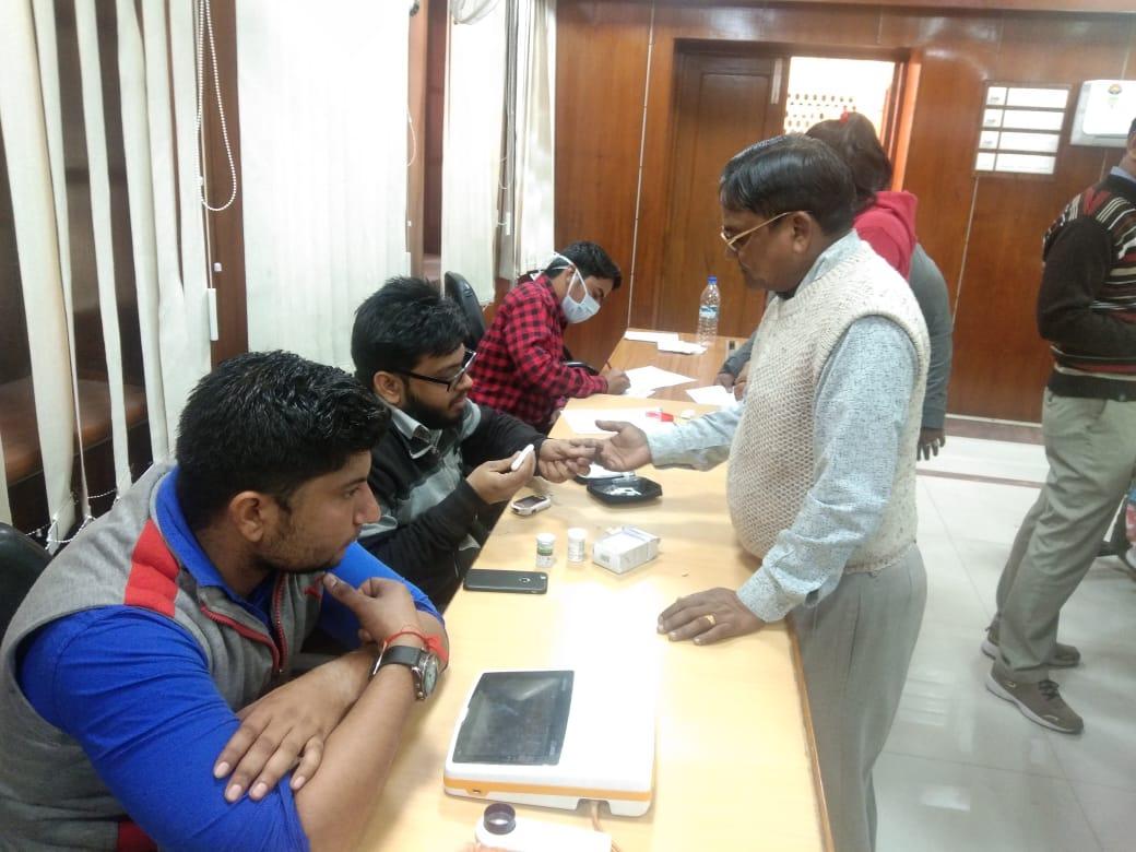 जोधपुर रेल मंड़ल पर रेलकर्मियों के लिए हैल्थ कैम्प आयोजित ।
